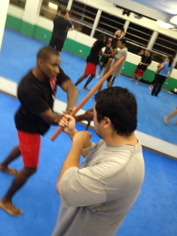 hawaii-krav-maga_self-defense_gallery_sticks-and-knives_16