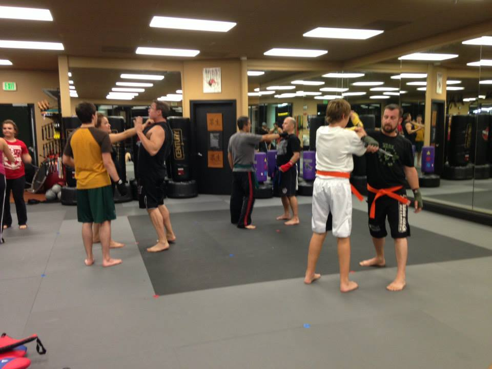 hawaii-krav-maga_self-defense_gallery_team-dragon-star_08